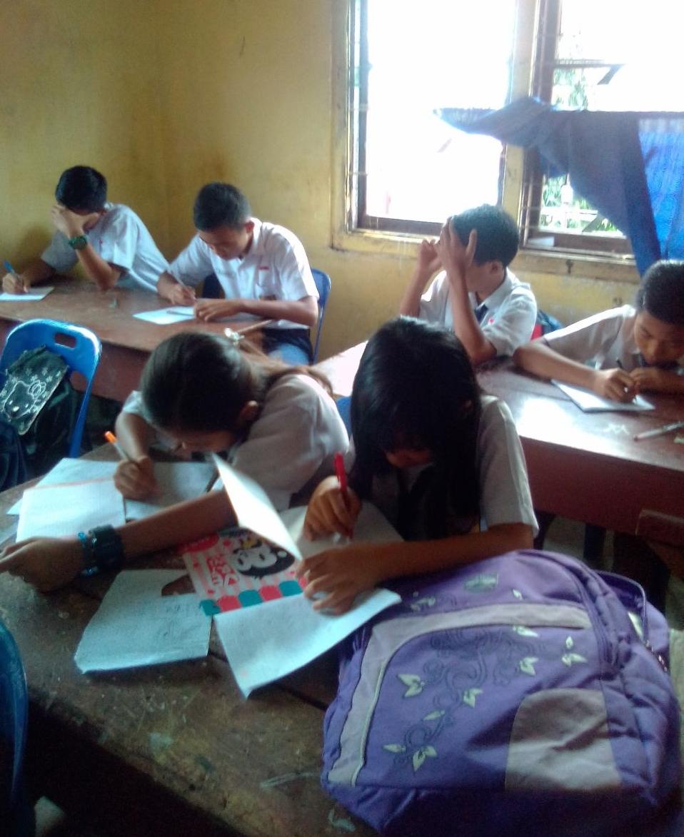 Ibarat Naik Angkot, Siswa di SMPN 8 Siantar Belajarnya Satu Bangku Berdua