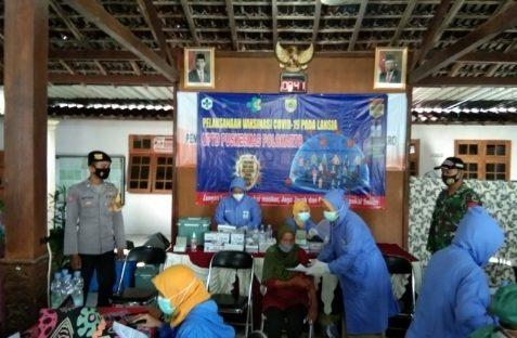 362 orang Lansia desa Kenokorejo terima vaksin Tahap I