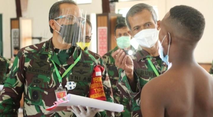 Pangdam XVIII/Kasuari, Pimpin Sidang Pemilihan Tingkat Pusat Penerimaan Tamtama PK TNI AD Kodam XVIII/Kasuari
